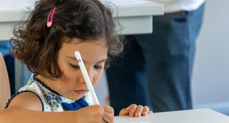 EPFL: un outil pour repérer les difficultés d'écriture sur tablette