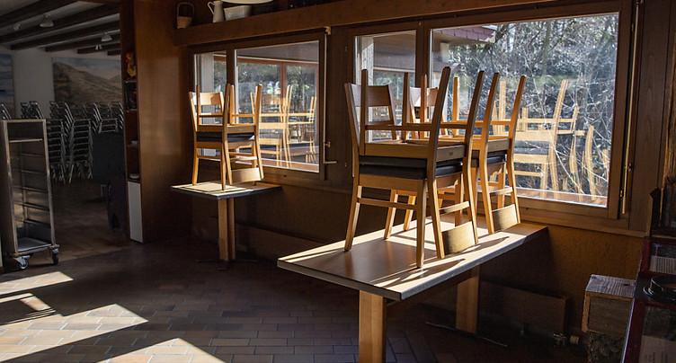 Loi Covid: la réouverture des restaurants le 22 mars doit y figurer