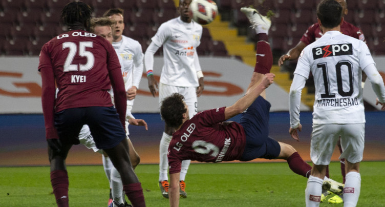Un but magnifique pour Miroslav Stevanovic
