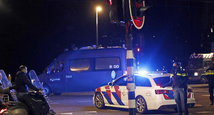 Pays-Bas: explosion près d'un centre de dépistage de Covid-19