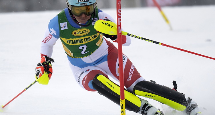 Holdener 3e du slalom de Jasna, Shiffrin victorieuse