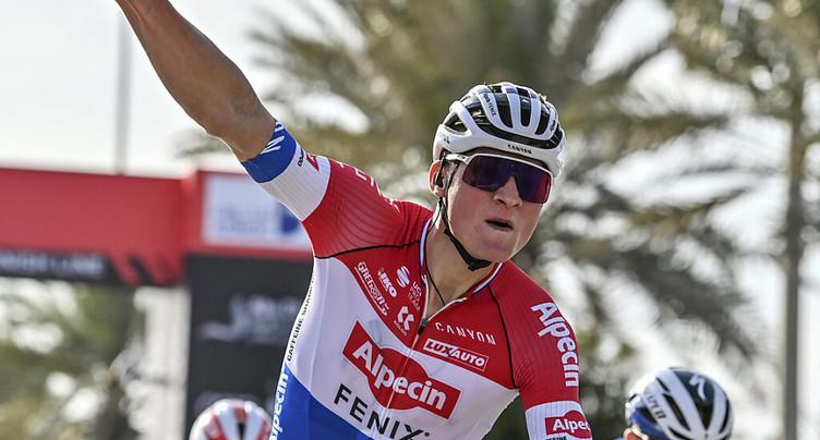 Mathieu van der Poel s'impose devant Alaphilippe aux Strade Bianche