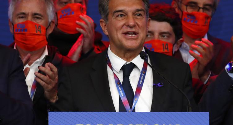 FC Barcelone: Laporta élu président