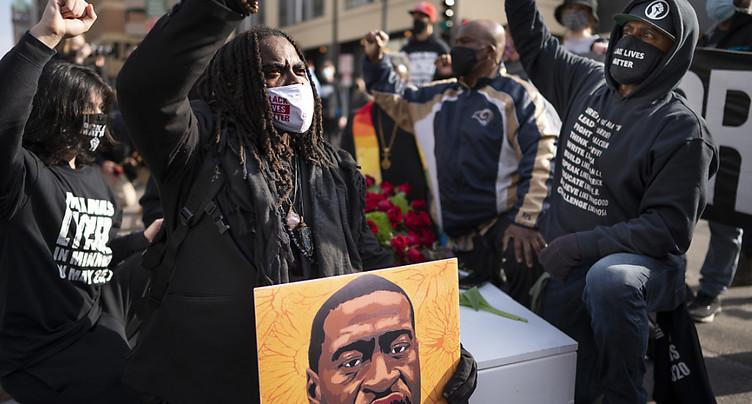 Le procès du policier qui a tué George Floyd s'ouvre aux Etats-Unis