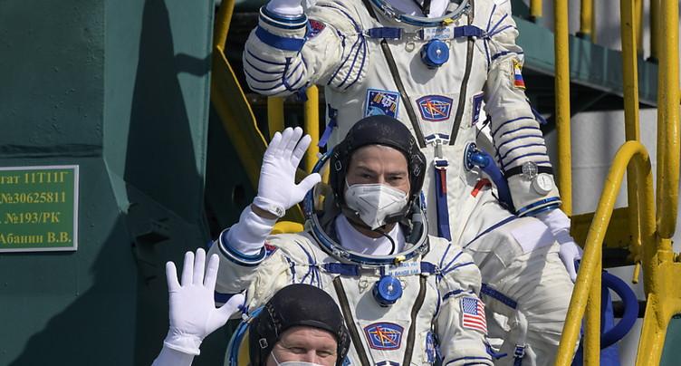 Une fusée Soyouz dans l'espace, 60 ans après Gagarine