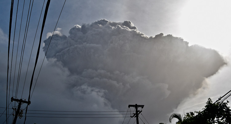 Le volcan situé sur l'île caribéenne entre en éruption