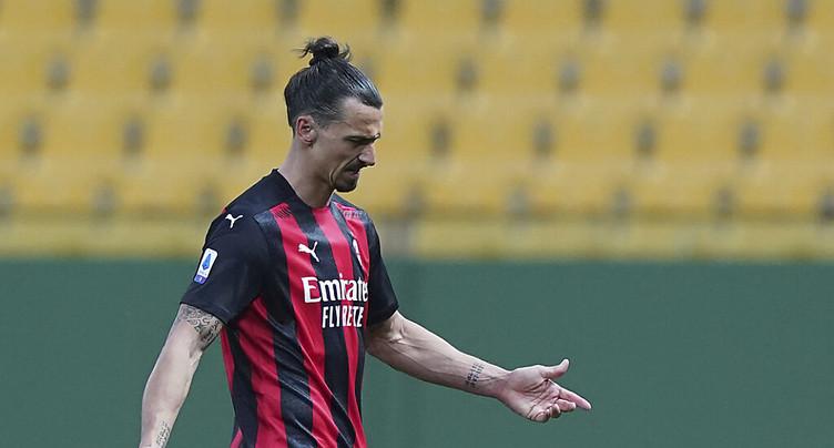 « Ibra » voir rouge mais Milan gagne à Parme
