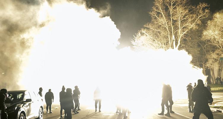 Manifestations après la mort d'un jeune noir dans une fusillade