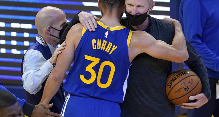 Curry dans l'histoire des Warriors
