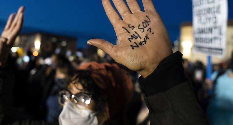 Septième soirée de manifestations près de Minneapolis