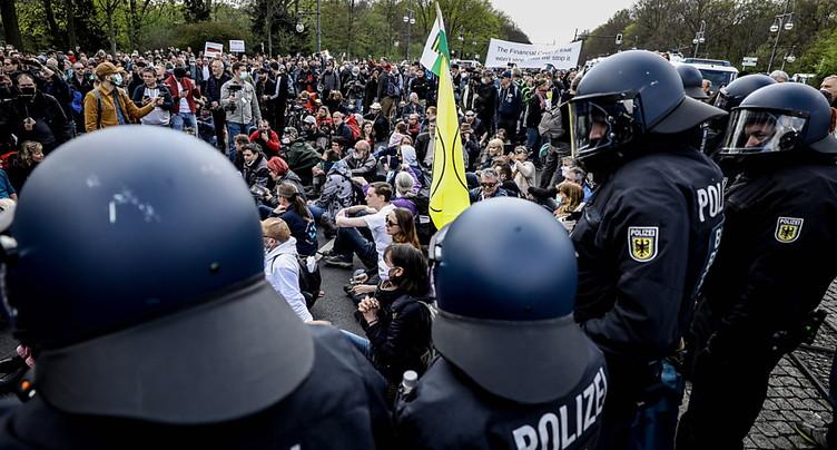 Le Bundestag adopte un durcissement de la loi anti-Covid
