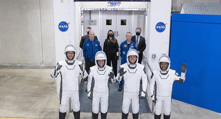 SpaceX a décollé vers l'ISS avec 4 astronautes à bord