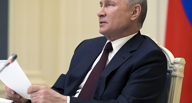 Poutine déclare 10 jours fériés pour lutter contre le Covid-19