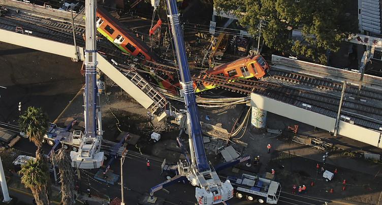 Un pont s'effondre à Mexico: treize morts et « près de 70 blessés »