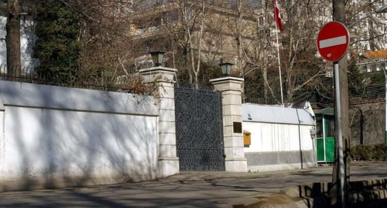 Diplomate suisse sous influence de médicaments avant sa chute