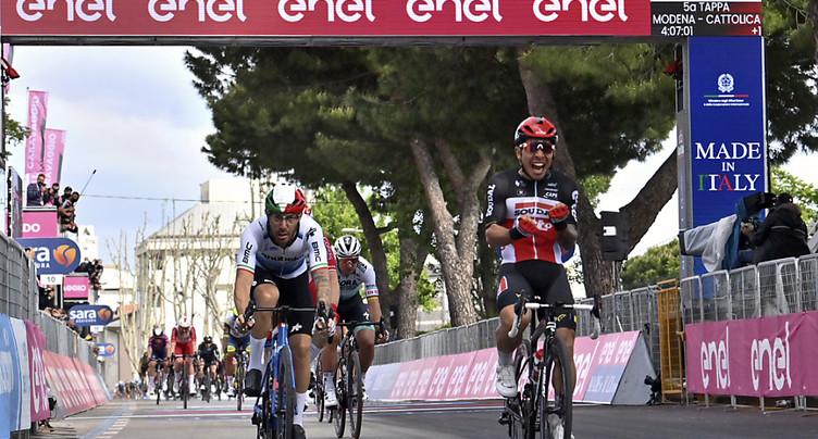 Tour d'Italie: victoire de Caleb Ewan à Cattolica