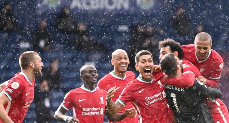 Alisson héros improbable de Liverpool, Tottenham s'accroche