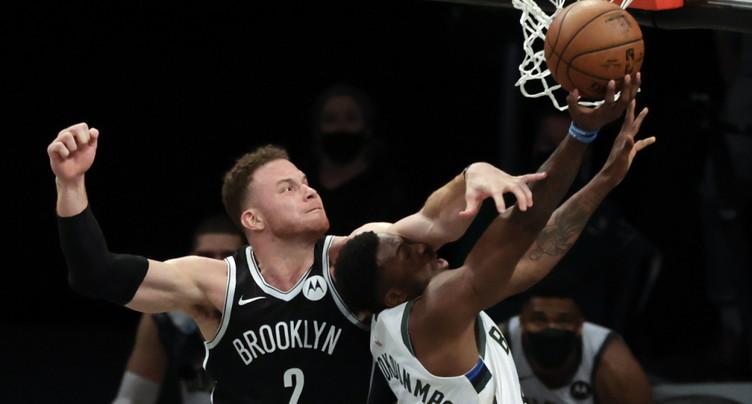 Brooklyn gagne l'acte I contre Milwaukee mais perd peut-être Harden