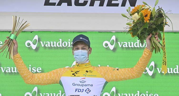 Mathieu van der Poel en patron, Küng sauve son maillot jaune