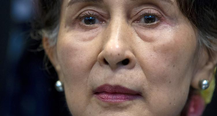 Aung San Suu Kyi inculpée pour corruption