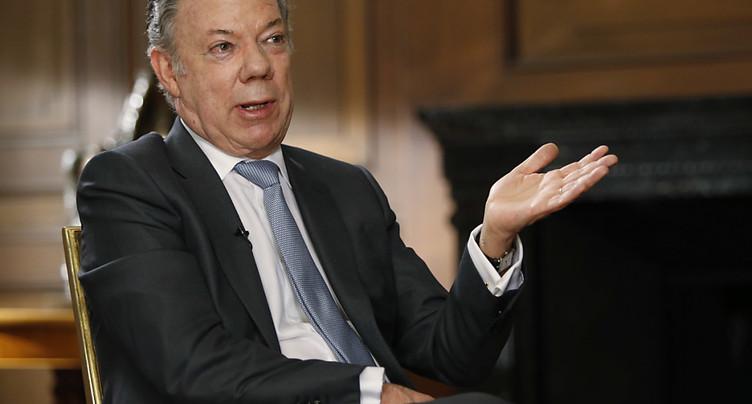 L'ex-président Santos reconnaît que l'armée a tué des milliers de civils