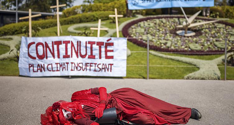 Une action des militants d'Extinction Rebellion à l'Horloge fleurie