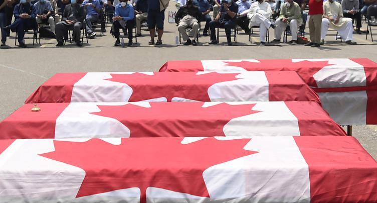 Dernier hommage à la famille musulmane tuée à la voiture-bélier
