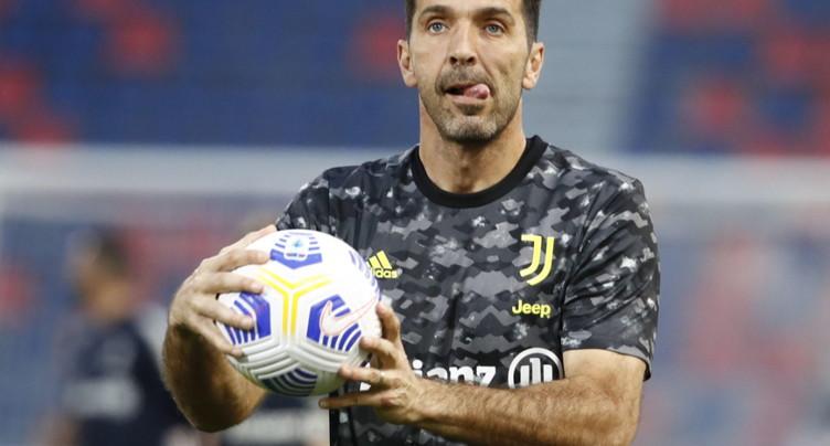 Buffon va continuer sa carrière, avec un possible retour à Parme