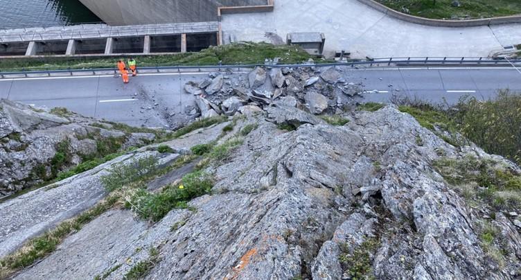 Route du col du Lukmanier fermée à la circulation