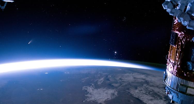 Le Français Thomas Pesquet s'est élancé dans le vide spatial