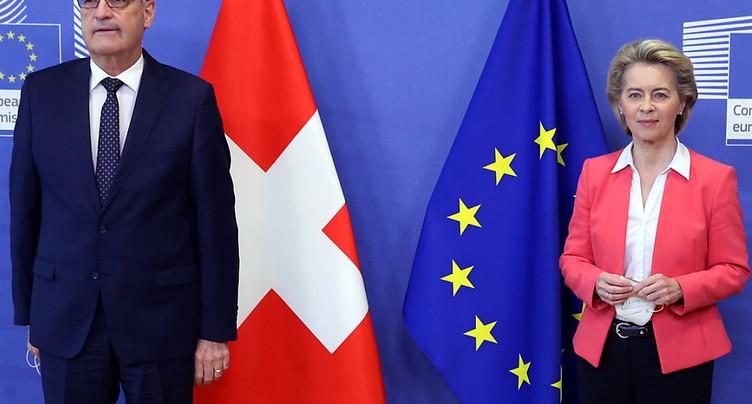 Une courte majorité de Suisses opposée à l'accord-cadre avec l'UE