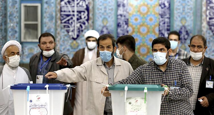 Présidentielle iranienne: le guide suprême vote et ouvre le scrutin