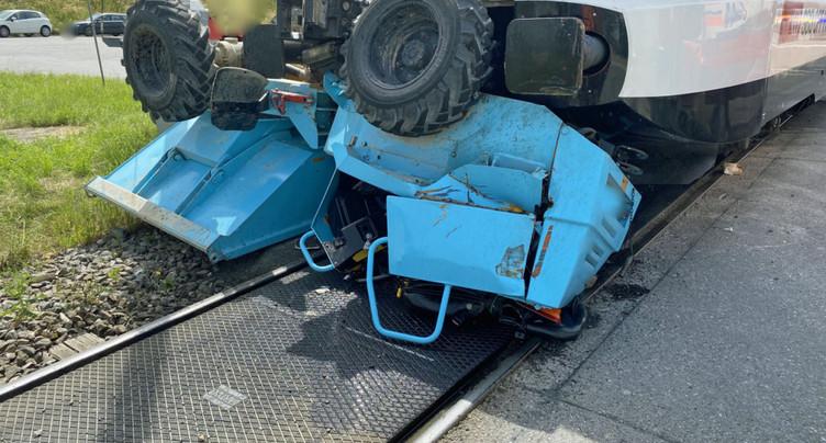 Collision entre un train et un engin de chantier à Ballwil (LU)
