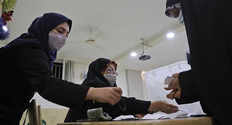 Présidentielle iranienne: l'Iran a voté - résultats attendus samedi