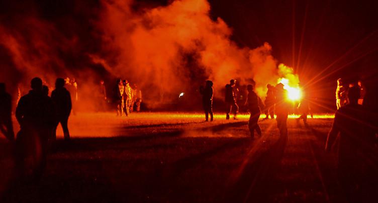 Rave party illégale: affrontements violents avec la police