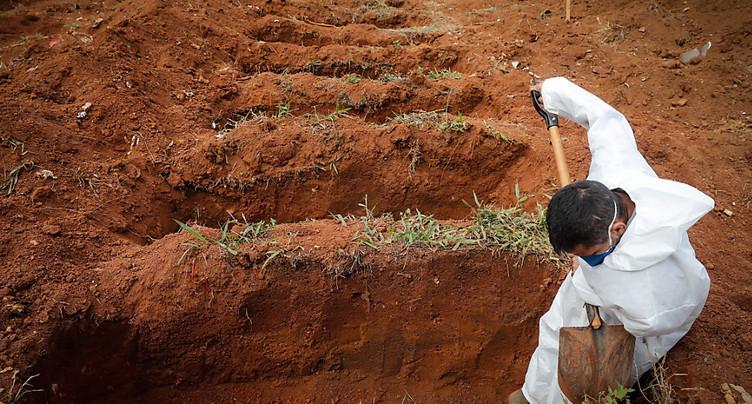 Le Covid-19 a fait un demi-million de morts au Brésil
