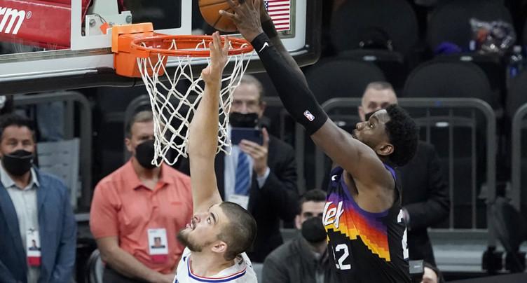 Les Suns mènent 2-0 face aux Clippers