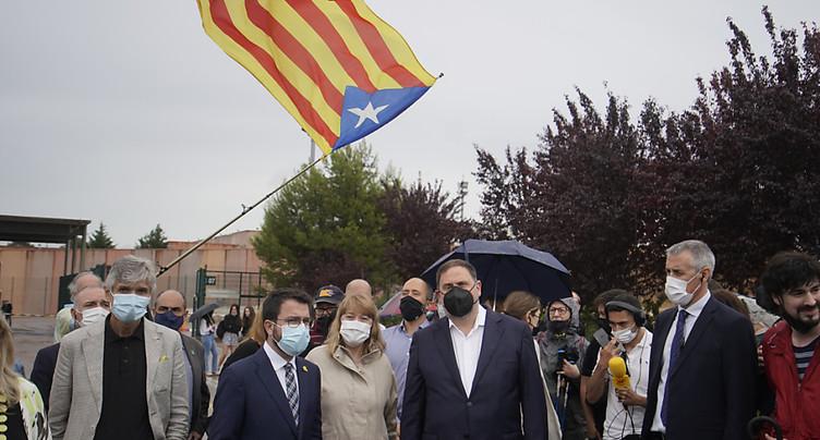 Graciés, les indépendantistes catalans sortent de prison