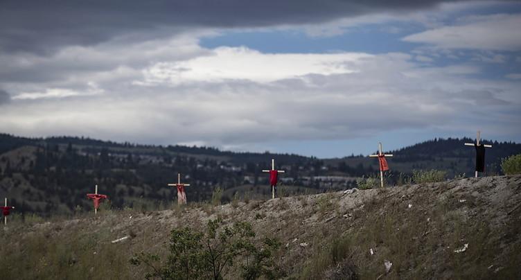 Plus de 750 tombes découvertes près d'un pensionnat autochtone au Canada