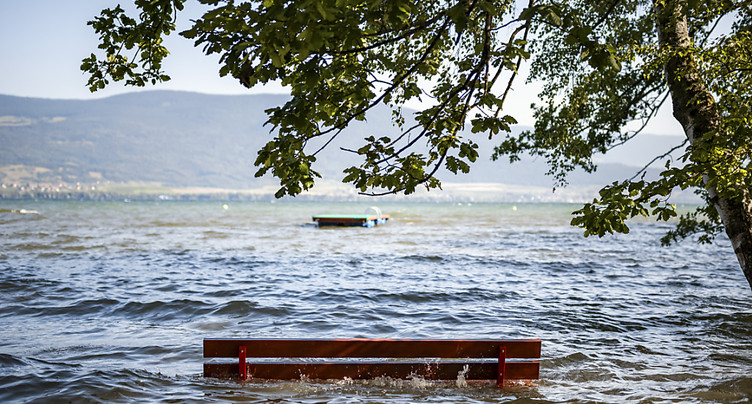Neuchâtel: baignade à nouveau autorisée dans le lac de Neuchâtel