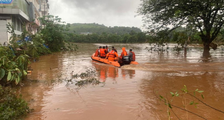 Pluies de mousson: au moins 76 morts et des dizaines de disparus