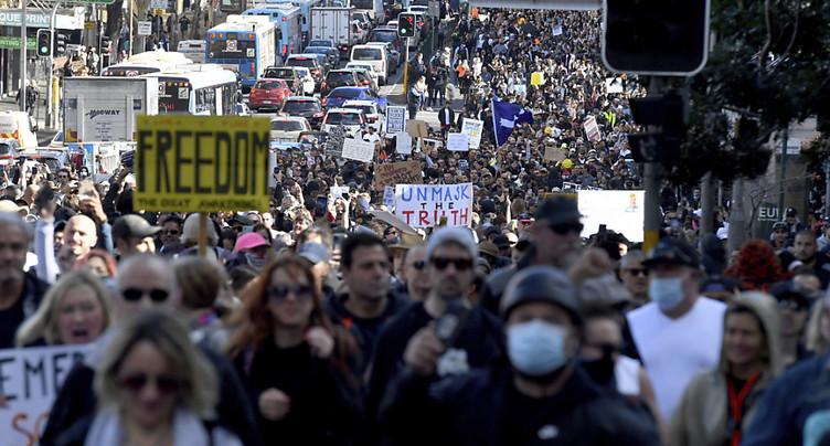 Manifestations anti-confinement, heurts avec la police à Sydney