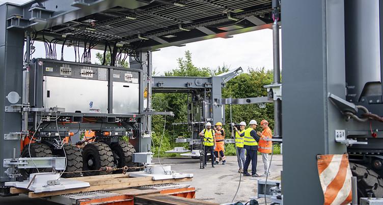 Pont mobile pour éviter les bouchons sur les chantiers d'autoroute