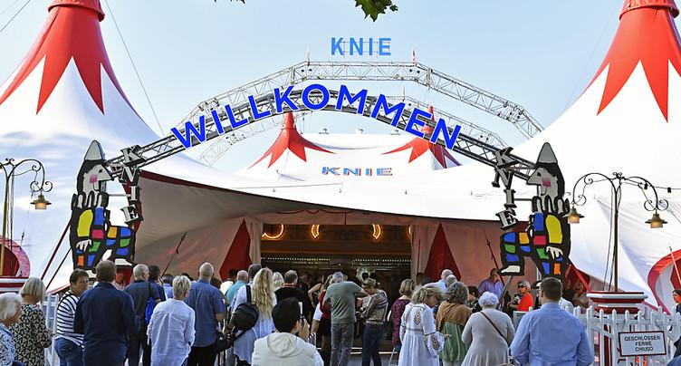 Début de la tournée du cirque Knie avec Bastian Baker à Rapperswil