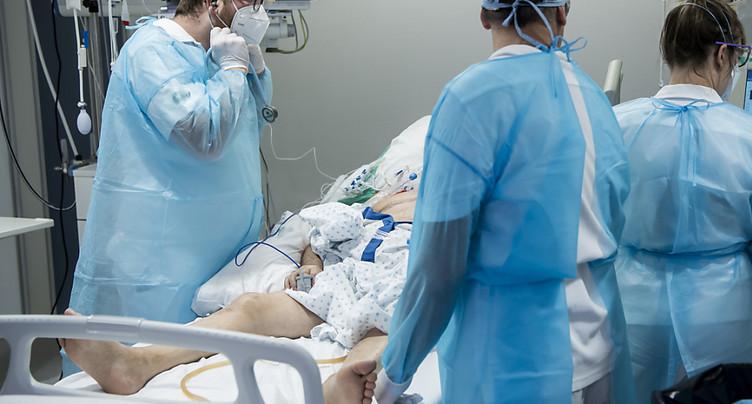 Personnel soignant pour des tests obligatoires contre le Covid-19
