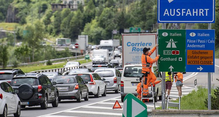 Bouchons au Gothard: déjà 12 km en direction du sud