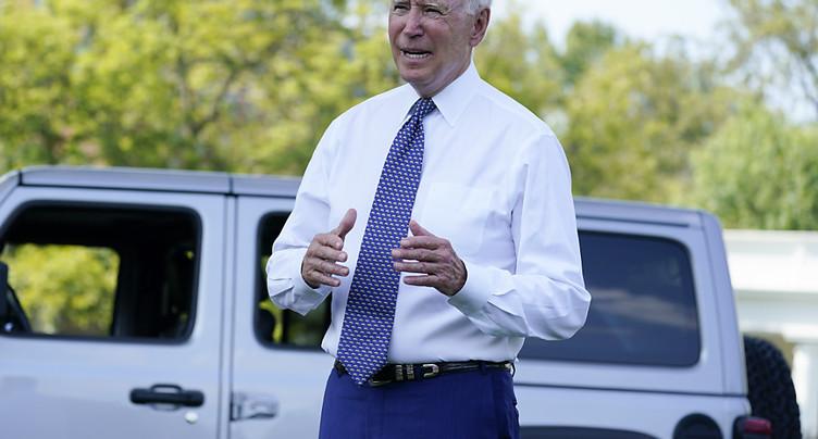 Voiture électrique: Biden fixe des objectifs ambitieux