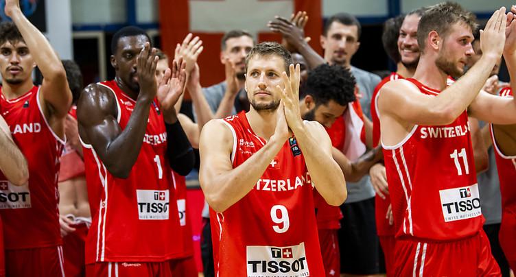 La Suisse commence par une victoire