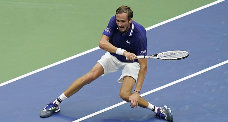 Medvedev brise les rêves de grandeur de Djokovic