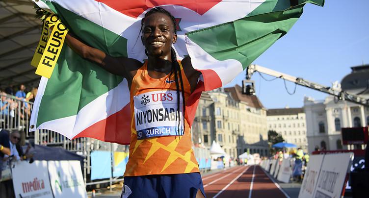 Niyonsaba bat le record du monde 2000 m